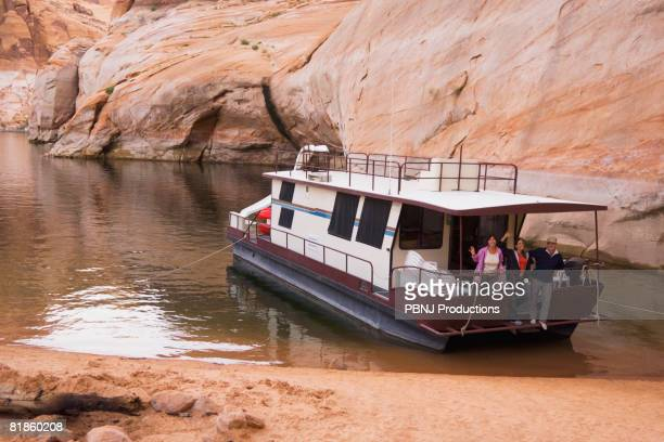 friends on houseboat - lake powell stock pictures, royalty-free photos & images