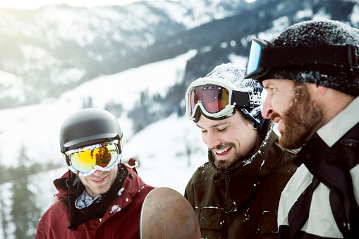 friends on winter holiday - gettyimageskorea