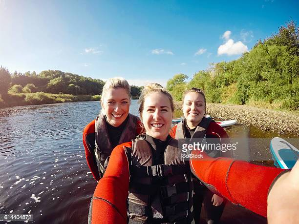 friends selfie! - life jacket photos fotografías e imágenes de stock