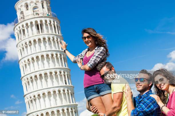 Friends visiting Italy - Pisa and the leaning tower