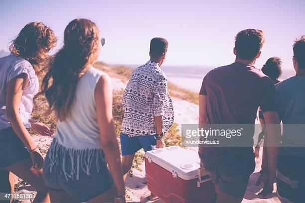 ご友人との散歩、ビーチで、クーラーボックス用