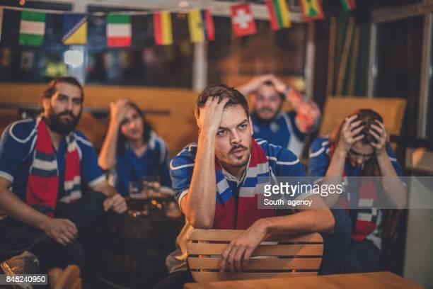 Amis, regarder match de football américain