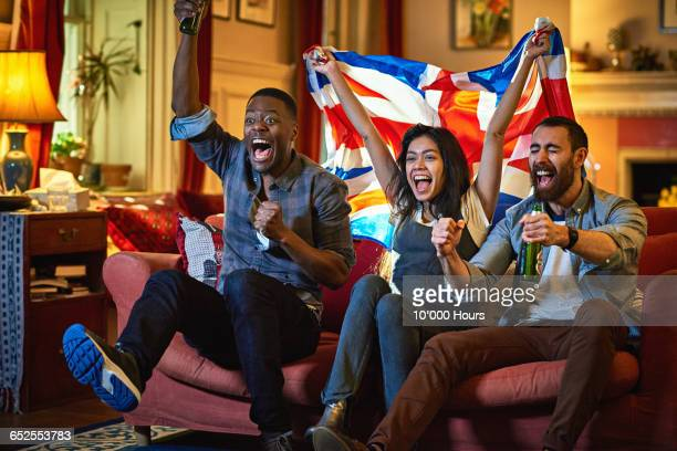 friends watching sport on tv - berkshire england stock pictures, royalty-free photos & images