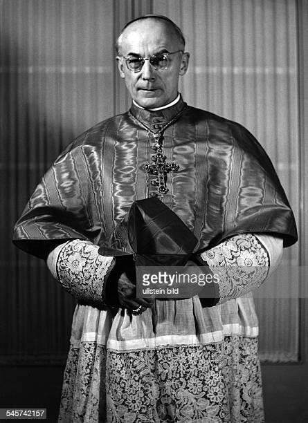 Frings, Josef Kardinal *06.02.1887-+Theologe , Kardinal, D1942-1969 Erzbischof von Koeln- Portrait im Festornat - 1960Foto: Fritz Eschen
