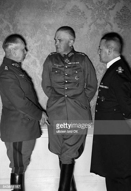 Fritsch Werner Freiher von Officer Germany*04081880 from the left von Fritsch General Werner von Blomberg and commanderinchief of the German Navy...