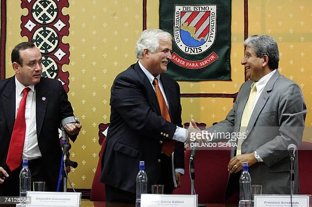 Fritz Garcia Gallont candidato presidencial del Partido Unionista saluda a Francisco Arredondo candidato de Avanzada Nacional junto a Alejandro...