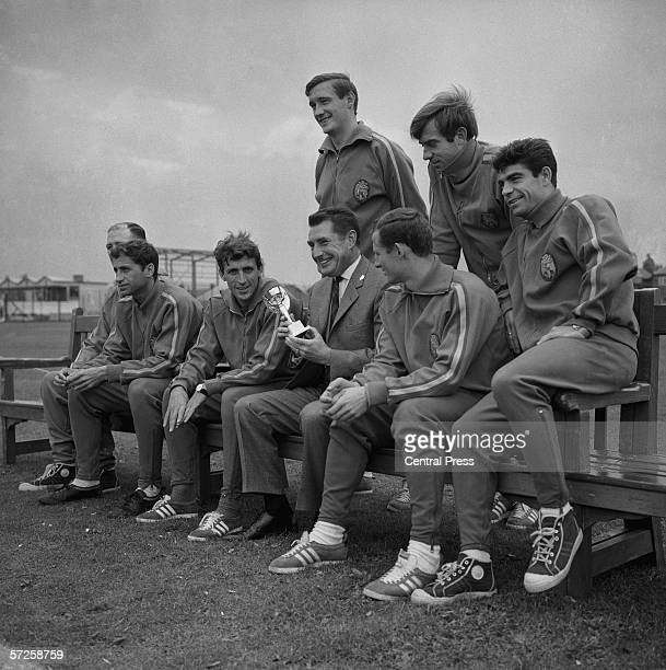 Fritz Walter who won the World Cup with West Germany in 1954 visiting the Spanish team at their Birmingham training ground during the 1966 World Cup...