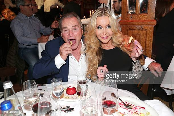 Fritz Wepper and Dolly Buster during the VIP premiere of Schubeck's Teatro at Spiegelzelt on November 3 2016 in Munich Germany
