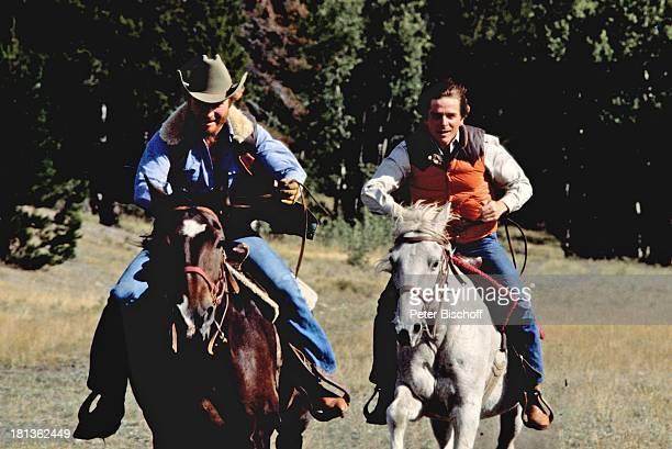 Fritz Wepper , Bruder Elmar Wepper, Kanada, Amerika, , Reitausflug, Ausritt, Weide, Wiese, Pferd, reiten, Cowboyhut, Schauspieler,