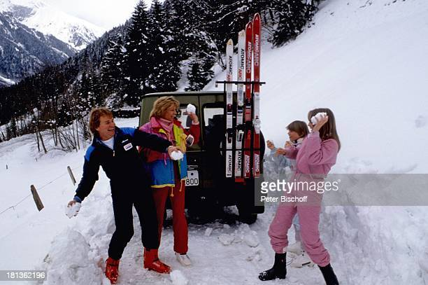Fritz Wepper Ehefrau Angela Wepper Tochter Prinzessin Stephanie von Hohenzollern Tochter Valerie von Hohenzollern Urlaub in der Schweiz Engelberg...