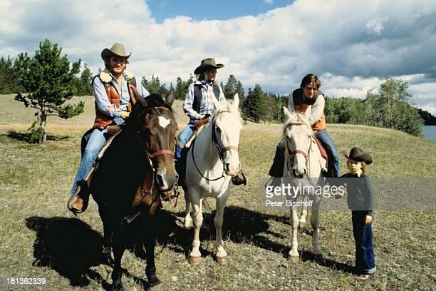 Fritz Wepper Freundin Prinzessin Angela von Hohenzollern Bruder Elmar Valerie von Hohenzollern Kanada Amerika Reitausflug Ausritt Weide Wiese Pferd...