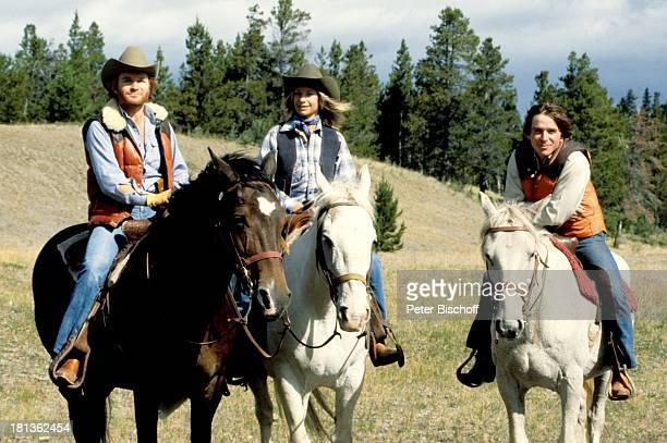 Fritz Wepper Freundin Prinzessin Angela von Hohenzollern Elmar Wepper Kanada Amerika Reitausflug Ausritt Weide Wiese Pferd reiten Cowboyhut...