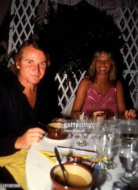 Fritz Wepper Freundin Prinzessin Angela von Hohenzollern Urlaub auf Barbados Barbados Karibik Glas AbendEssen Feier Fest Schauspieler Adel