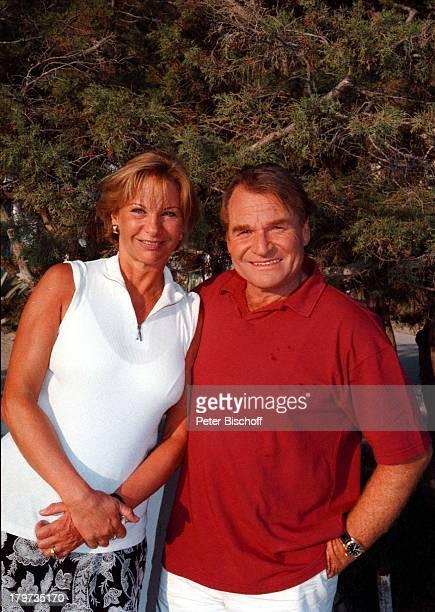 Fritz Wepper mit Ehefrau Angela vonHohenzollern ARDP E T E RK R A U S GeburtstagsSpecial 'Ich machweiter' Dreh Ibiza/Spanien Urlaub