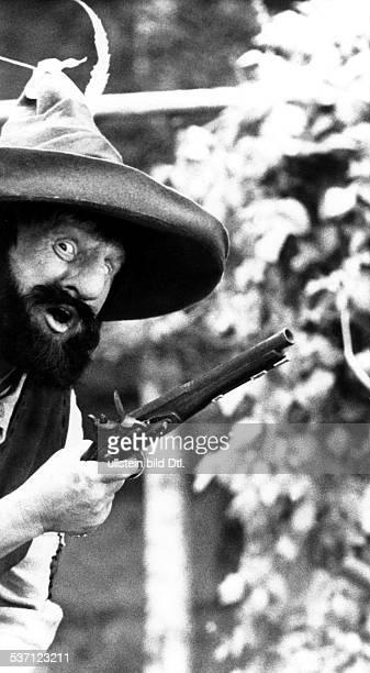 Froebe Gert Schauspieler D in der Rolle als 'Raeuber Hotzenplotz' Buch und Regie Gustav Ehmck D 1973