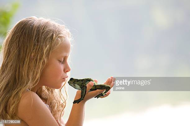 frog prince - princess stock pictures, royalty-free photos & images