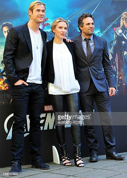 """From L Australian actor Chris Hemsworth, US actress Scarlett Johansson and US actor Mark Ruffalo poses during the photocall of """"The Avengers"""" on..."""