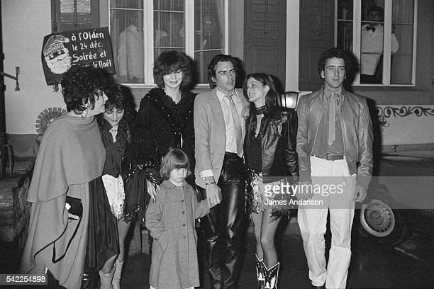 Elizabeth Taylor Liza Todd Taylor Maria Burton Michael Howard Wilding Jr and his threeyearold daughter Noami Aileen and her husband Christopher...