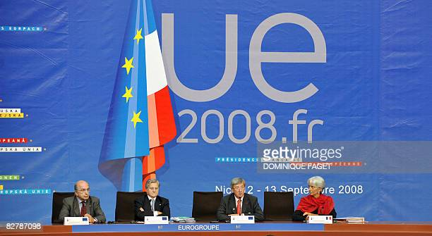 From L to R EU economic and monetary affairs commissioner Joaquin Almunia JeanClaude Trichet president of European Central Bank JeanClaude Juncker...