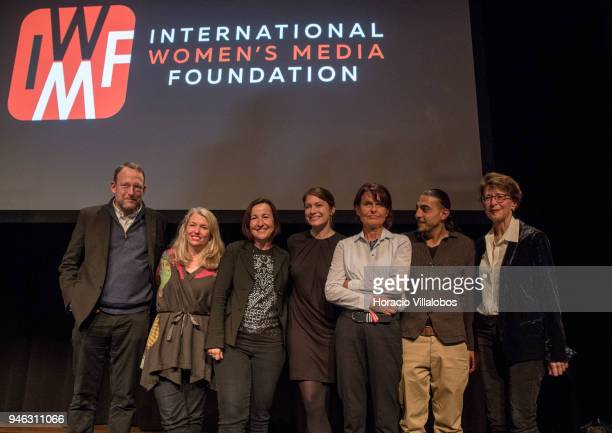 From L to R Jury member director editorial content Adobe Santiago Lyon 2017 winner Stephanie Sinclair IWMF Executive Director Elisa Lees Munoz award...