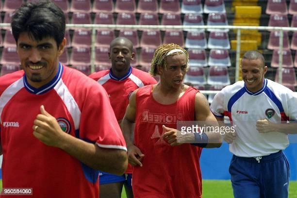 Mauricio Solis Paulo Cesar Wanchope William Sumsing and Eric Lonis run during a practice 12 June 2001 at the Ricardo Saprissa Stadium in San Jose...