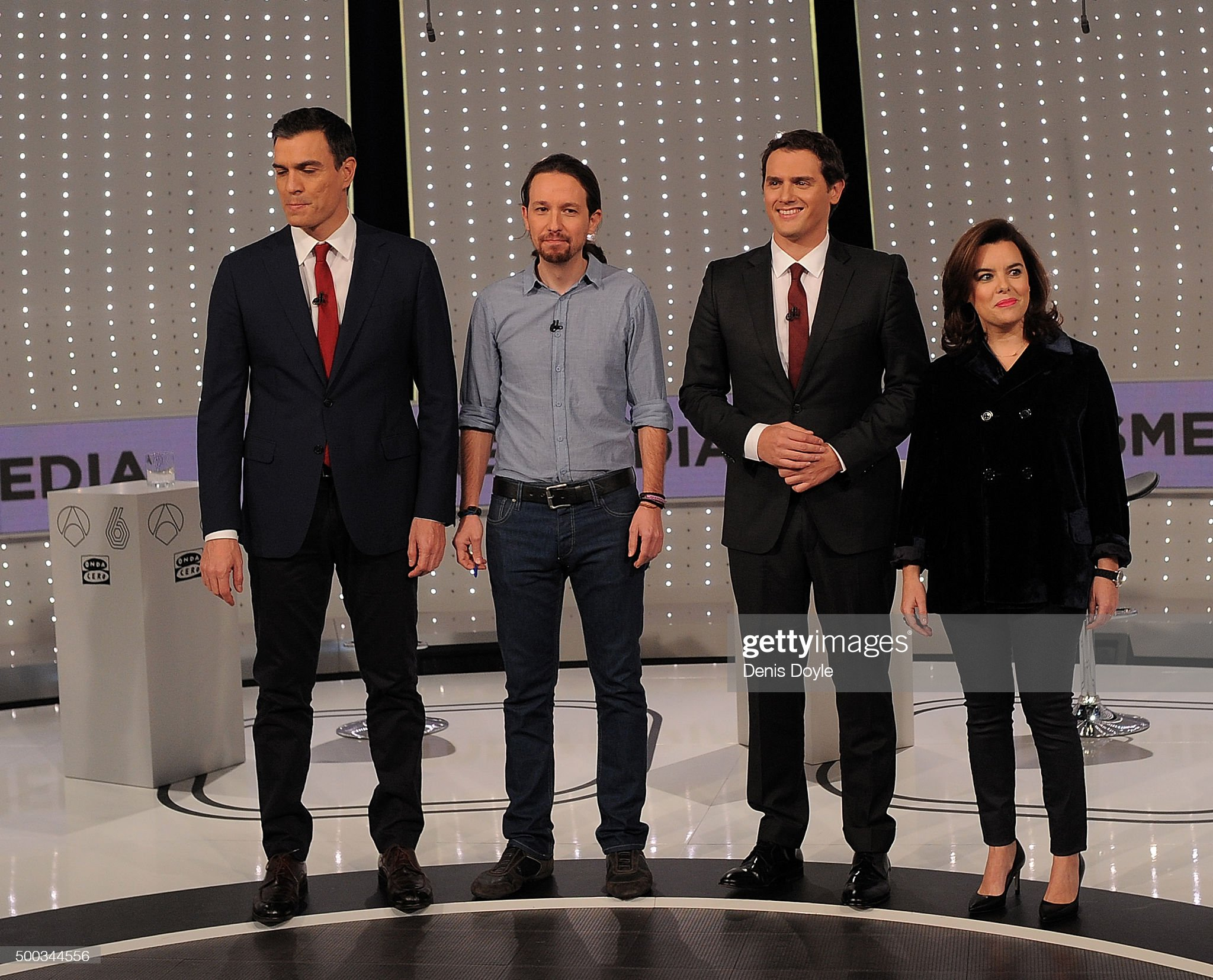 ¿Cuánto mide Albert Rivera? - Estatura real: 1,80 - Página 9 From-l-to-r-party-leaders-pedro-sanchez-of-the-psoe-socialist-party-picture-id500344556?s=2048x2048