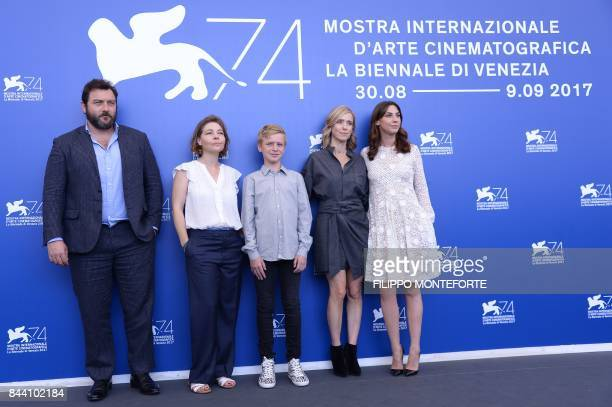 actor Denis Menochet Sophie Pincemaille actor Thomas Gioria Lea Drucker and actress Mathilde Auneveux attend the photocall of the movie 'Jusqu'à la...