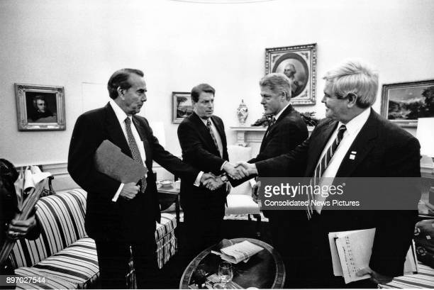 From left American politicians US Senate Majority Leader Bob Dole US Vice President Al Gore US President Bill Clinton and Speaker of the US House of...