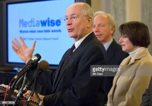From left Dr David Walsh president and founder of the National Institute on Media and the Family Sen Joe Lieberman IConn and Sen Amy Klobuchar DMinn...