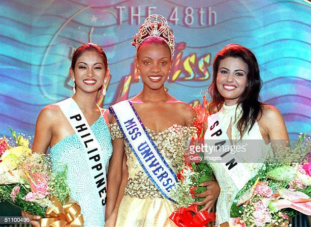 From Left First RunnerUp Miriam Quiambao Miss Philippines 1999 Mpule Kwelagobe Miss Universe 1999 And Second RunnerUp Diana Nogueira Miss Spain 1999...
