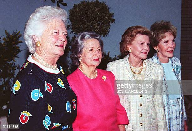 From left former US First Ladies Barbara Bush Lady Bird Johnson Betty Ford and Nancy Reagan pose for photos at a fundraiser for the National Garden...