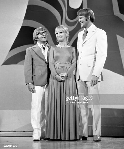 From left is Arte Johnson, Petula Clark, Glen Campbell on the music and comedy variety show, THE GLEN CAMPBELL GOODTIME HOUR. Image dated October 27,...