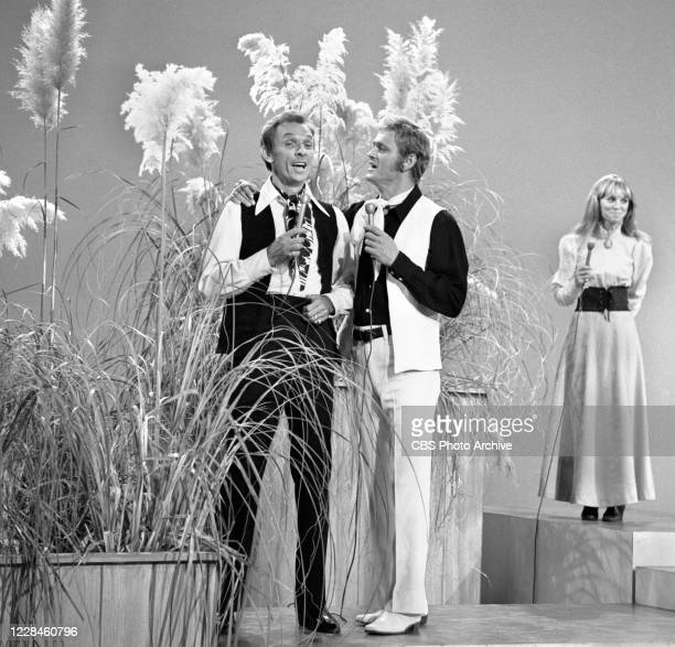 From left is Mel Tillis, Jerry Reed, Jackie De Shannon. Air date November 1, 1970.