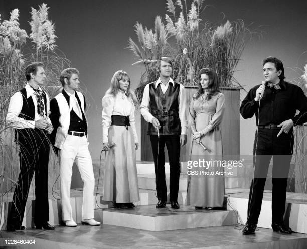From left is Mel Tillis, Jerry Reed, Jackie De Shannon, Glen Campbell, June Carter, Johnny Cash. Air date November 1, 1970.