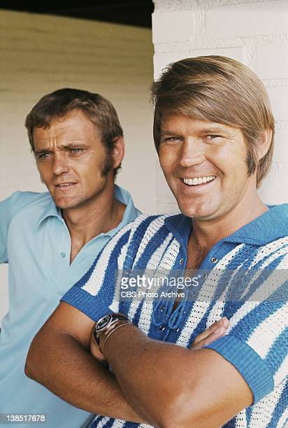 From left Jerry Reed and Glen Campbell Image dated 1971