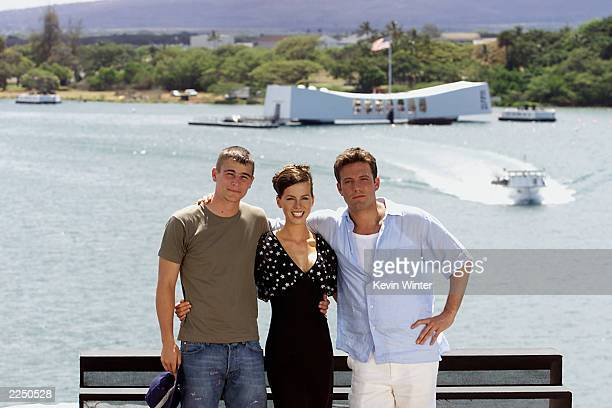 From left Josh Hartnett Kate Beckinsale and Ben Affleck gather together on the flight deck of the aircraft carrier USS John C Stennis Sunday May 20...