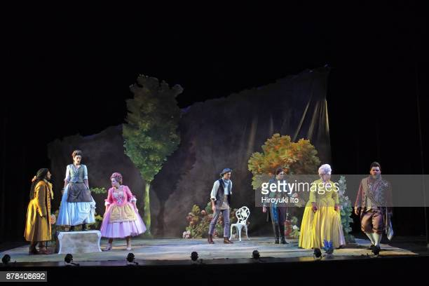 From left Joshua Blue Tamara Banjesevic Christine Taylor Price Jacob Scharfman Marie Engle Kathryn Henry and Charles Sy in Mozart's La finta...
