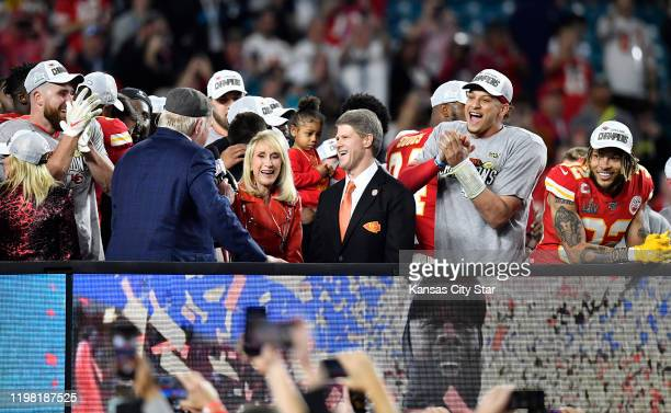 From left Kansas City Chiefs tight end Travis Kelce Norma Hunt and Clark Hunt Kansas City Chiefs Owner and CEO quarterback Patrick Mahomes and Tyrann...