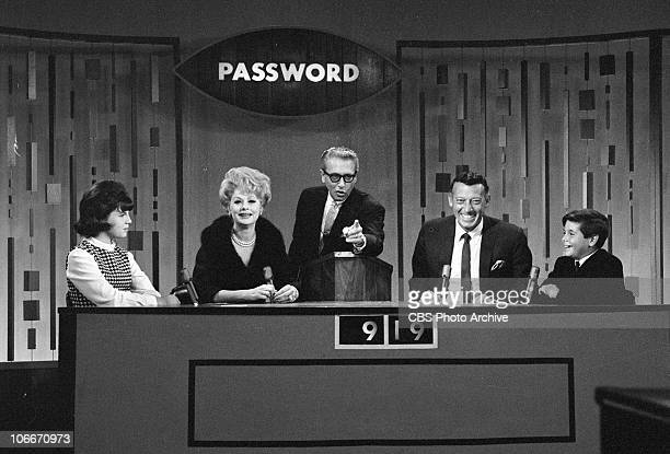 From left Lucie Arnez Lucille Ball Allen Ludden Gary Morton and Desi Arnez Jr on the CBS gameshow PASSWORD Image dated September 25 1964