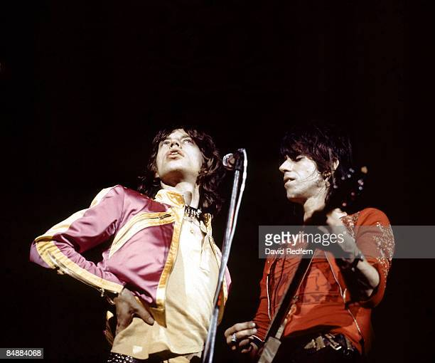 HALL Photo of Keith RICHARDS and Mick JAGGER and ROLLING STONES Mick Jagger Keith Richards performing live onstage