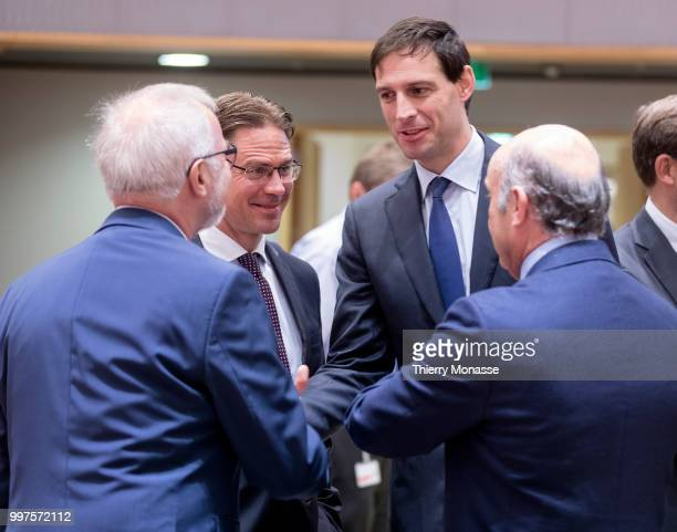 President of the European Investment Bank Werner Hoyer is talking with the EU Jobs Growth Investment and Competitiveness Commissioner Jyrki Katainen...