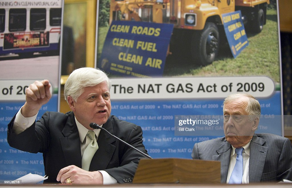 From left, Rep. John Larson, D-Conn., and Boone Pickens, chairman of BP Capital Management, participate in the news conference to introduce the 'New Alternative Transportation to Give Americans Solutions (NAT GAS) Act' on Wednesday, April 1, 2009.