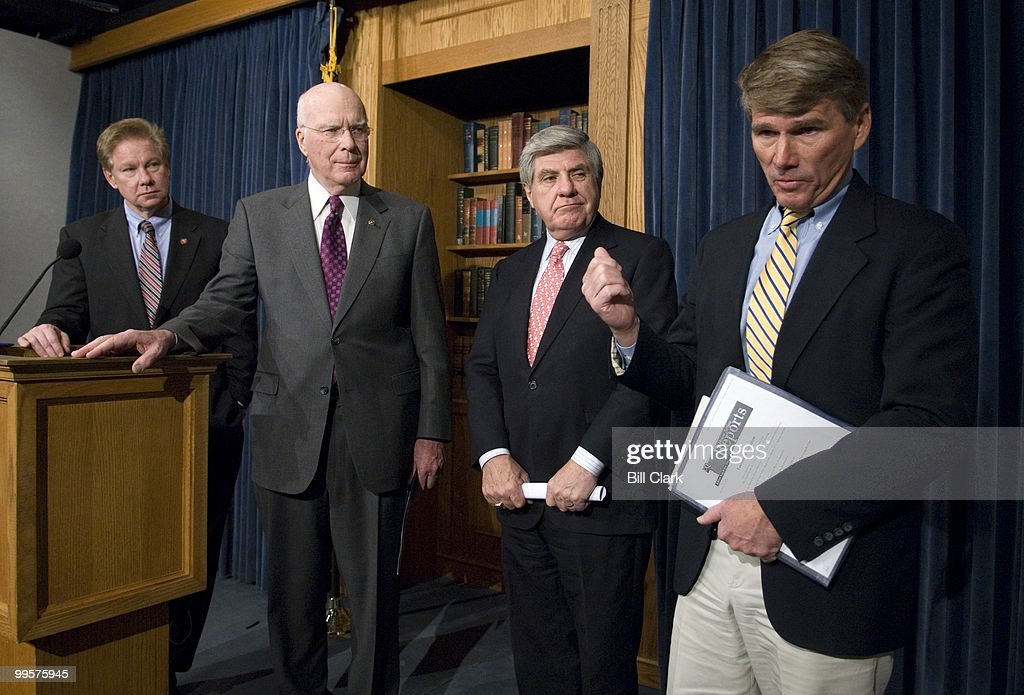 From left, Rep. Tom Davis, R-Va., Sen. Patrick Leahy, D-Vt., Sen. Ben Nelson, D-Neb., and Rep. Gene Taylor, D-Miss., participate in the National Guard Caucus news conference to introduce the National Guard Empowerment Act of 2007 on Tuesday, Jan. 30, 2007.