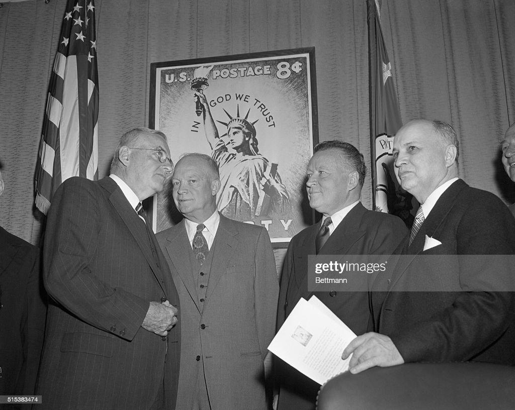 Liberty Stamp 1954 : News Photo
