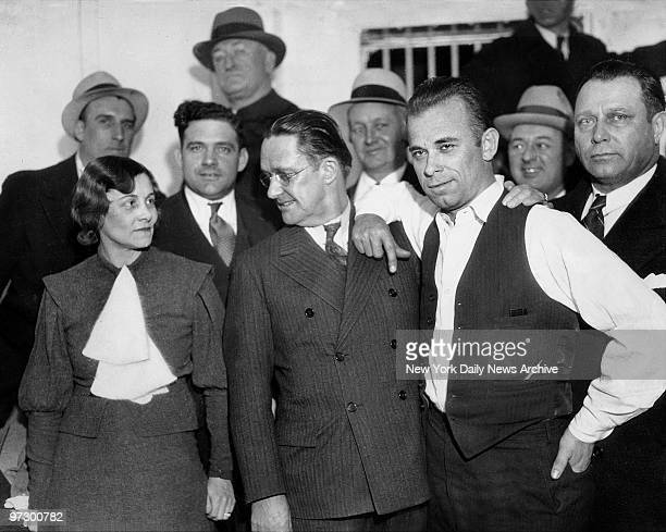 From left Sheriff Lillian Holley and prosecutor Robert Estill stand with outlaw John Dillinger in Chicago