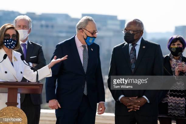 From left, Speaker of the House Nancy Pelosi, D-Calif., Rep. Richard Neal, D-Mass., Senate Majority Leader Chuck Schumer, D-N.Y., House Majority Whip...