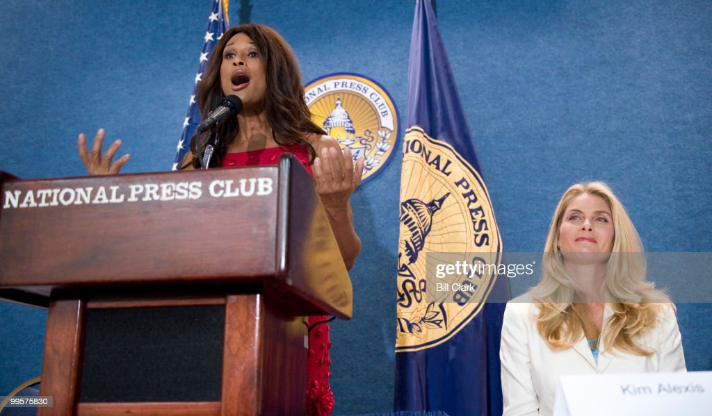 From left, supermodels Beverly Johnson and Kim Alexis participate in the briefing on 'Supermodel Stars of 'She's Got the Look' Shattering Baby Boomer Stereotypes,' on Monday, July 7, 2008, at the National Press Club. A study on baby boomer spending habits called 'Generation