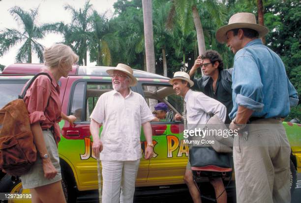 From left to right actors Laura Dern as Dr Ellie Sattler Richard Attenborough as John Hammond Martin Ferrero as Gennaro Jeff Goldblum as Dr Ian...