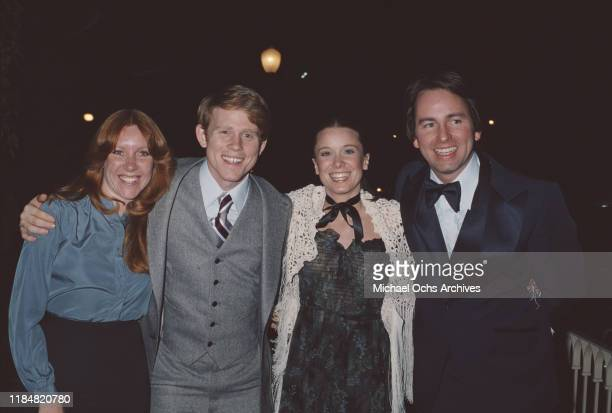 From left to right American actor and director Ron Howard with his wife Cheryl actress Nancy Morgan and her husband American actor and comedian John...