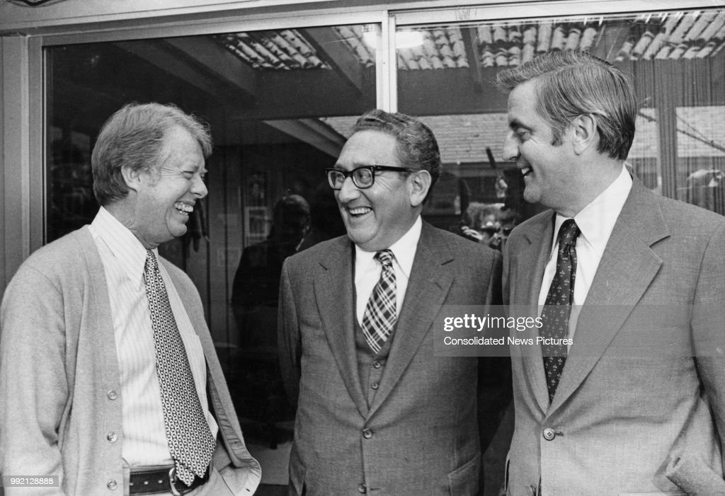 From left to right, American President-elect Jimmy Carter, US Secretary of State Henry Kissinger and American Vice President-elect Walter Mondale meet at Plains, Georgia to discuss US foreign policy, 20th November 1976.